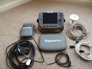 Raymarine A65 Chart Plotter GPS Fishfinder. Fish finder. Garmin Lowrance DSM25