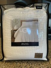 Ugg Delaney Chenille Reversible Twin Blanket in Snow, New $80.99