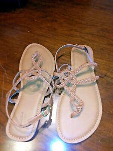 NWT Universal Thread braided sandals size 11W