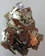 50x RENAULT Rohling Schlüssel NE72 für verschiedene Modelle