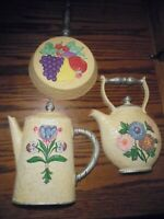 Vintage Homco Set (3) WALL PLAQUES Frying Pan-Kettle-Pitcher/ Hand-Painted    99