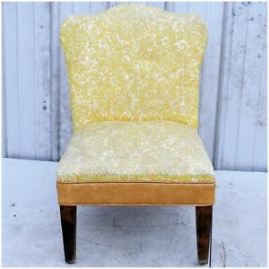 Vintage Mid-Century Vinyl Hard Wooden Frame Accent Lounge Chair Green