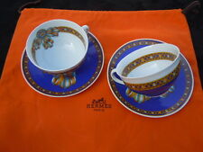 Tasses porcelaine Hermès Paris Cocarde de soie Garantie authentique Hermès.