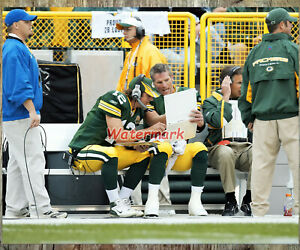 NFL Green Bay Packers Aaron Rodgers Brett Favre Checking Playbook  8 X 10 Photo