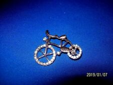 BEAUTIFUL UNISEX HIGH QUALITY WHITE CRYSTAL GOLD PLATED BICYCLE PIN / BROOCH