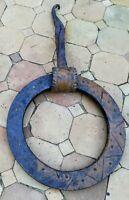 Heurtoir de porte en fer forgé très ancien
