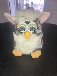 Vintage 1998 FURBY Model 70-800 Brown White With Tags Untested Tiger Electronics