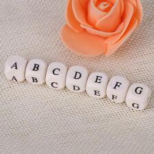 100 pcs Lettre en Bois Cube de l'Alphabet Bracelet 10mm Mixte Perles en Bois
