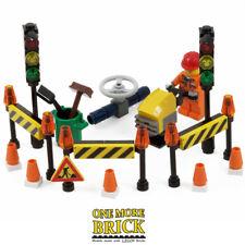 LEGO Roadworks Kit - construction minifigure, road cones, tools & Traffic Lights