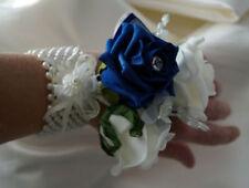 Flores, pétalos y guirnaldas de color principal azul para bodas