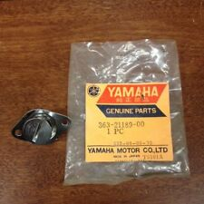 YAMAHA NOS SIDE COVER LATCH 363-21189 YZ MX SC 100 125 175 250 500 NUMBER PLATE