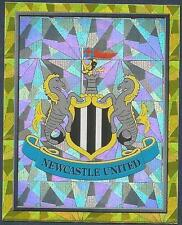 #217-NEWCASTLE UNITED-TEAM BADGE-SILVER FOIL TOPPS MATCH ATTAX 2017-18