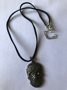 Face Skull Pendant Necklace