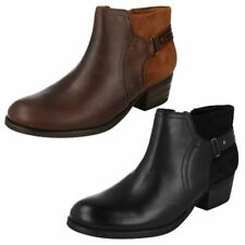 Clarks Zip Leather Upper Material Boots for Men