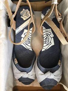 DOCKERS By Gerli BNIB Denim Open Toe Bow Stripe Wedge Sandals 41 UK 7/7.5