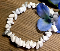 17.4g  SOOTHING NATURAL WHITE HOWLITE CRYSTAL CHIP HEALING BRACELET Reiki  USA
