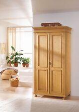 Möbel im Landhaus-Stil aus Massivholz fürs Esszimmer