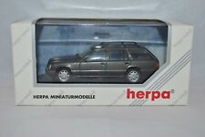 Herpa 070126 Mercedes-Benz E320 T-Modell   Model 1:43 mint in box