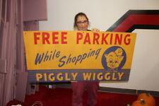Large Piggly Wiggly Grocery Store Free Parking Gas Oil 48