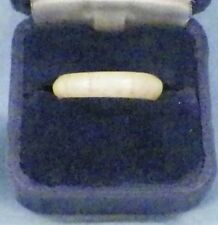 Vintage Ring Size 8 Interesting Lines Cream Color UNUSUAL MUST SEE