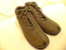 White Mt. Water Resistant  Olive Nubuck Leather Lace-up Ankle Boots  Size 9.5M