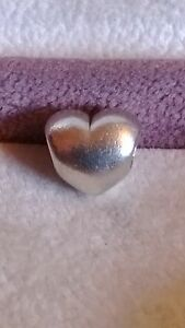 GENUINE PANDORA Sterling Silver 925ale Love Heart Charm 790137