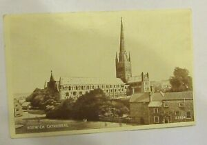 Norwich Cathedral. Valentine No.G7754. Old Postcard