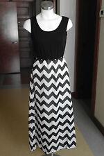 Black White Chevron Maxi Dress / Tank Top Sleeveless / Lined Bottom / ZIpper / L