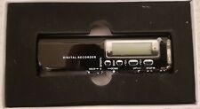 DIGITALES DIKTIERGERÄT 8 GB Digital Voice Recorder Aufnahmegerät Sound Radio NEU