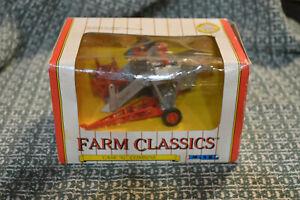 """1991 ERTL FARM CLASSICS #2622 CASE """"G"""" COMBINE DIE-CAST 1:43 SCALE - NOS"""