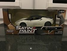 Lotus Evora S Matt White Satin Motormax Diecast Model Car 79313 1:24 Scale