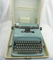Vintage Underwood Olivetti portable Studio 44 typewriter with case Made in Spain