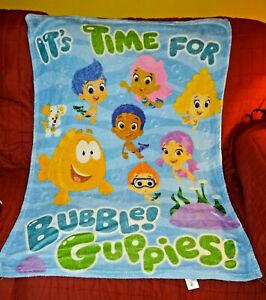 Nicklelodeon Bubble Guppies Lightweight Fleece Throw Blanket 30in x 40in Toddler