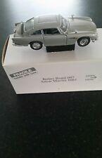 Franklin/Danbury mint 1:24 James Bond Aston Martin DB5 classic model.
