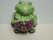 Swimming Frog Cookie Jar by Ganz ;; Frog Tanning : Femalen frog ; a summer