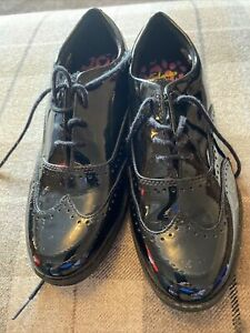 (185) Clarks Black Lace Up Shoes Size 3.5 In Great Condition