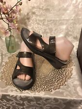 Mephisto mobils size 41/ 10M Brown Patent leather Wedge slides NICE