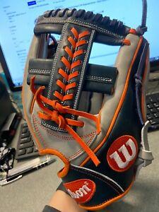 """Wilson A2000 19CC1GM WTA20RB19CC1GM 11.75"""" Baseball Glove - RH Throw"""