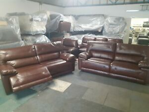 Maximus power reclining 3 seater sofa and static 3 seater sofa. Ex ScS Stock