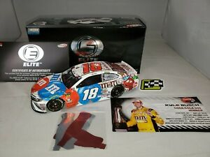 2018 1/24 Kyle Busch M&Ms Red White & Blue Charlotte Raced Win Elite
