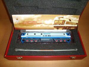 Bachmann China CD00810 DF8B Diesel Locomotive Qinghai-Tibet Railroad #9002