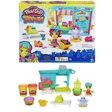 Play Doh Città Negozio di animali (include 4 lattine di Play-Doh modellazione di continuità) 3+ anni