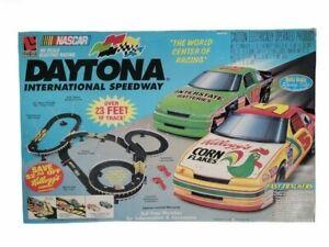 NASCAR Daytona Speedway Kellogg's HO Electric Racing Track Set Life-Like No:9511