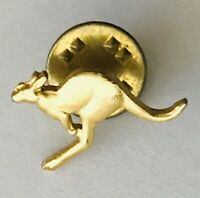 Australian Kangaroo Small Gold Style Souvenir Pin Badge Vintage (A4)