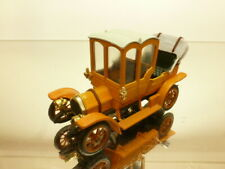 RIO ITALIA FIAT 24 CV - ORANGE 1:43 - VERY GOOD CONDITION
