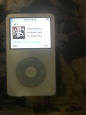 Apple iPod Classic 5th Generation 30GB White (PA002LL) - Broken