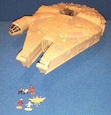 Star Wars Millennium Falcon Transforming Playset w figures Leia + Galoob 1995