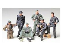 Tamiya   1:35 GERMAN TANK CREW at REST TAM35201