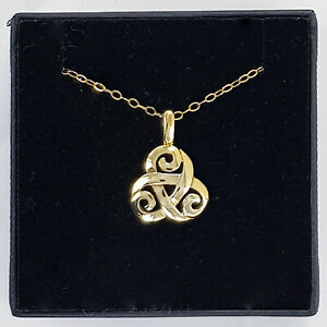 9ct Yellow Gold Solvar Celtic Trinity Knot Complete With Chain