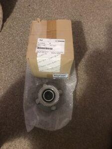 Genuine Mazda 2005 MX5 Miata Hub Wheel (NA23-33-04XC) new